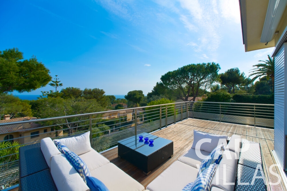 villa for sale cap ferrat patio