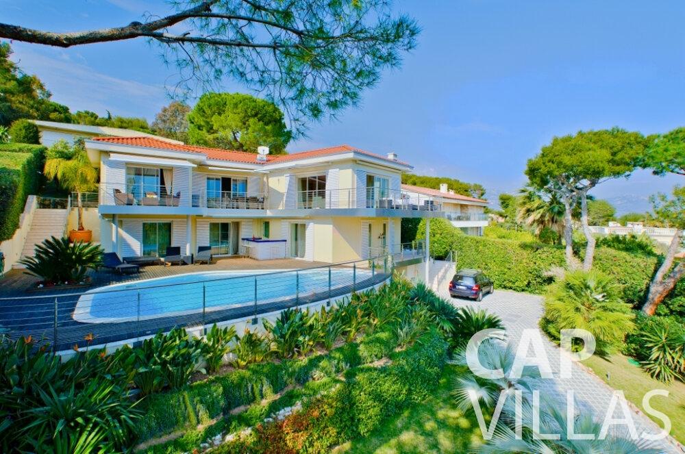villa for sale cap ferrat pool