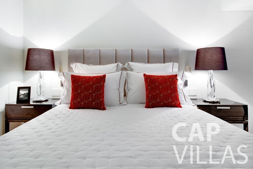 holiday house for sale cap dail double bed