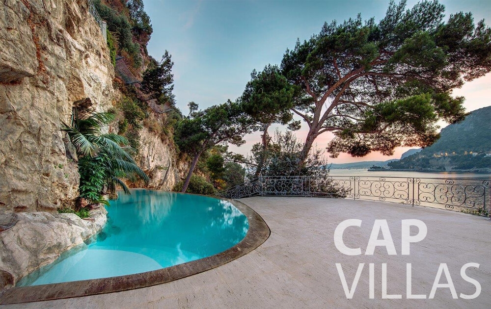 villa for sale cap dail free form pool