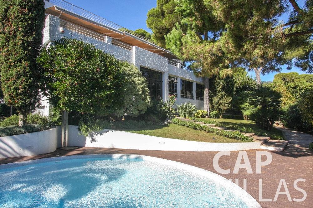 let Villa Saffron cap martin roquebrune property