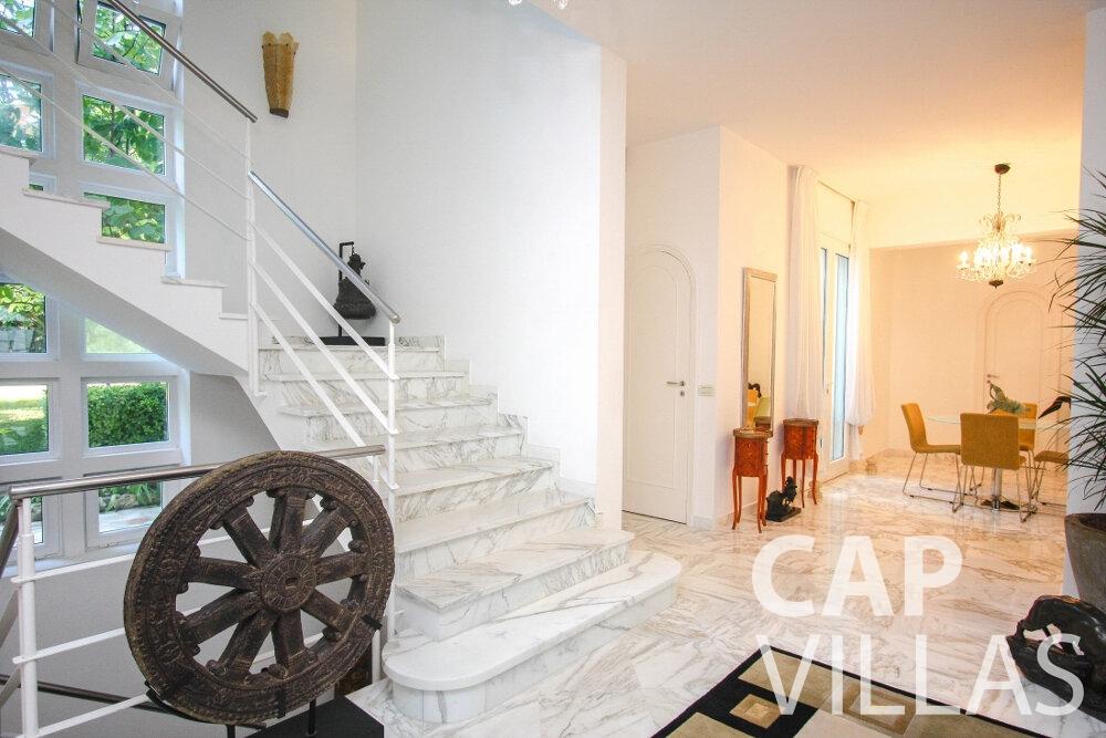 let Villa Saffron cap martin roquebrune staircase