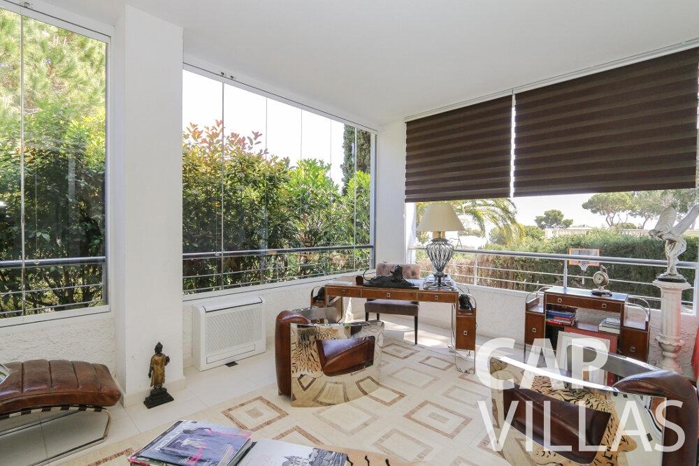 rent Villa Saffron cap martin roquebrune office room