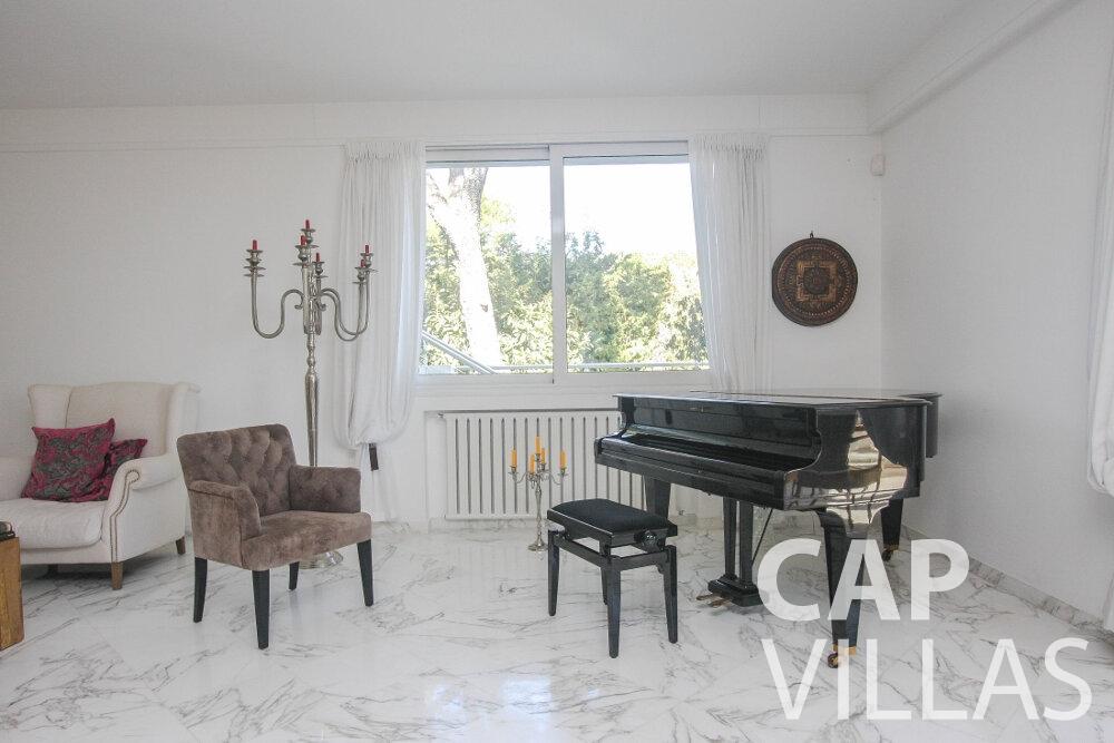 rent Villa Saffron cap martin roquebrune piano