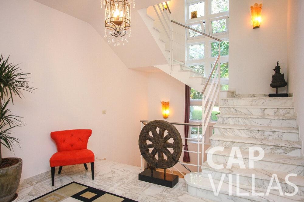 rent Villa Saffron cap martin roquebrune staircase