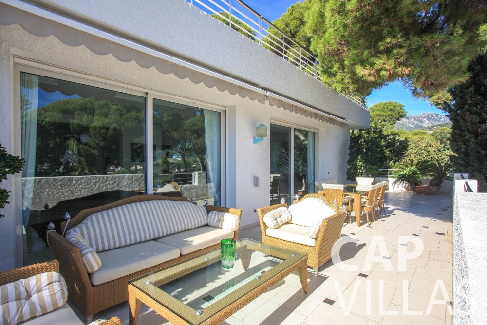 rent Villa Saffron cap martin roquebrune terrace
