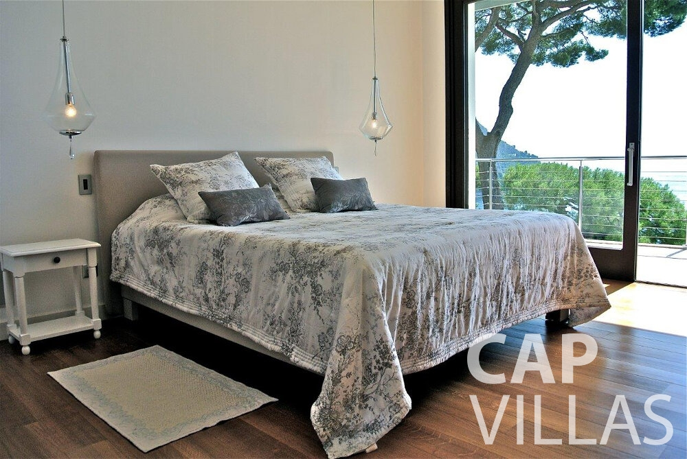 holiday house for sale eze double bedroom