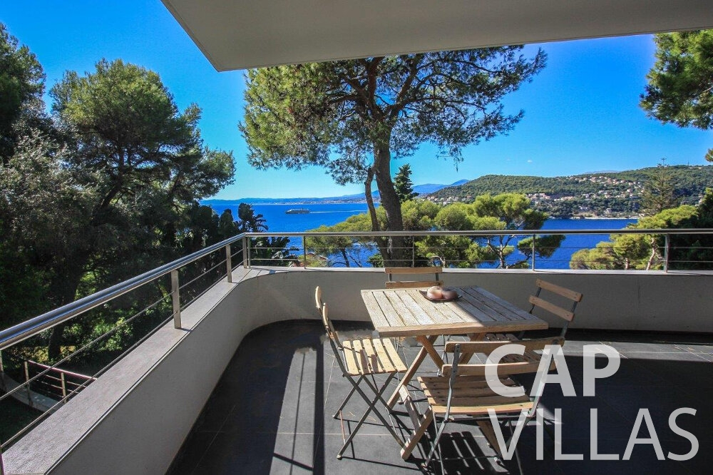 let Villa Bluebell cap ferrat terrace sea view