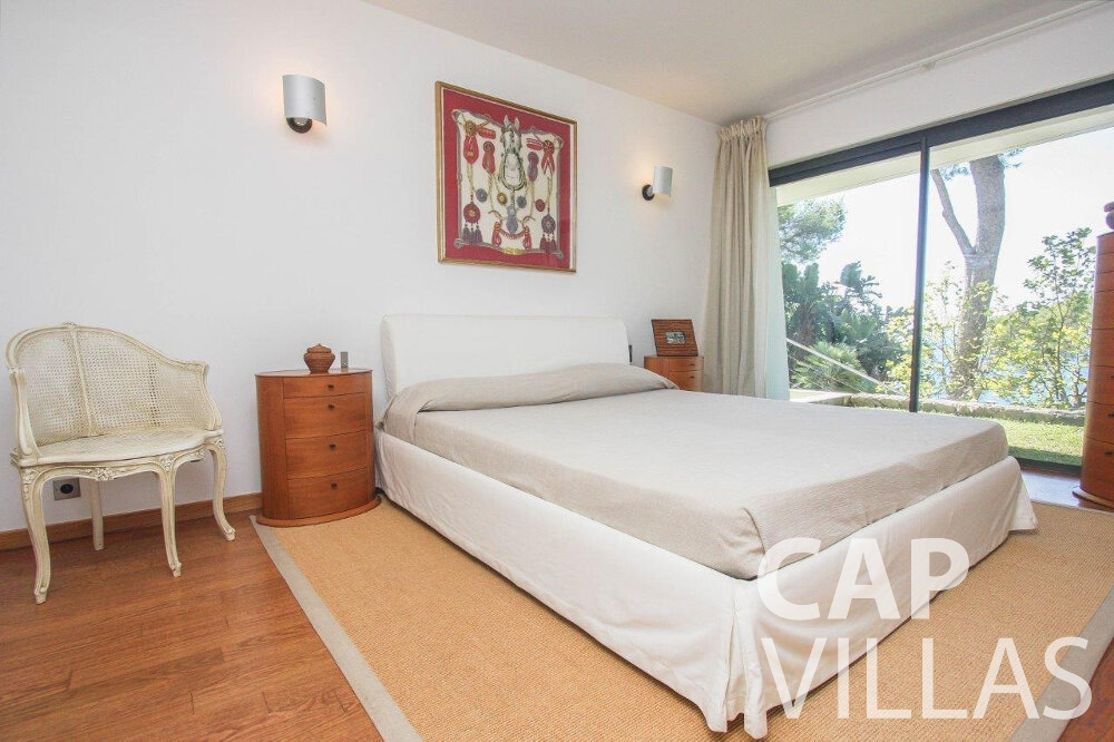 rent Villa Bluebell cap ferrat bedroom