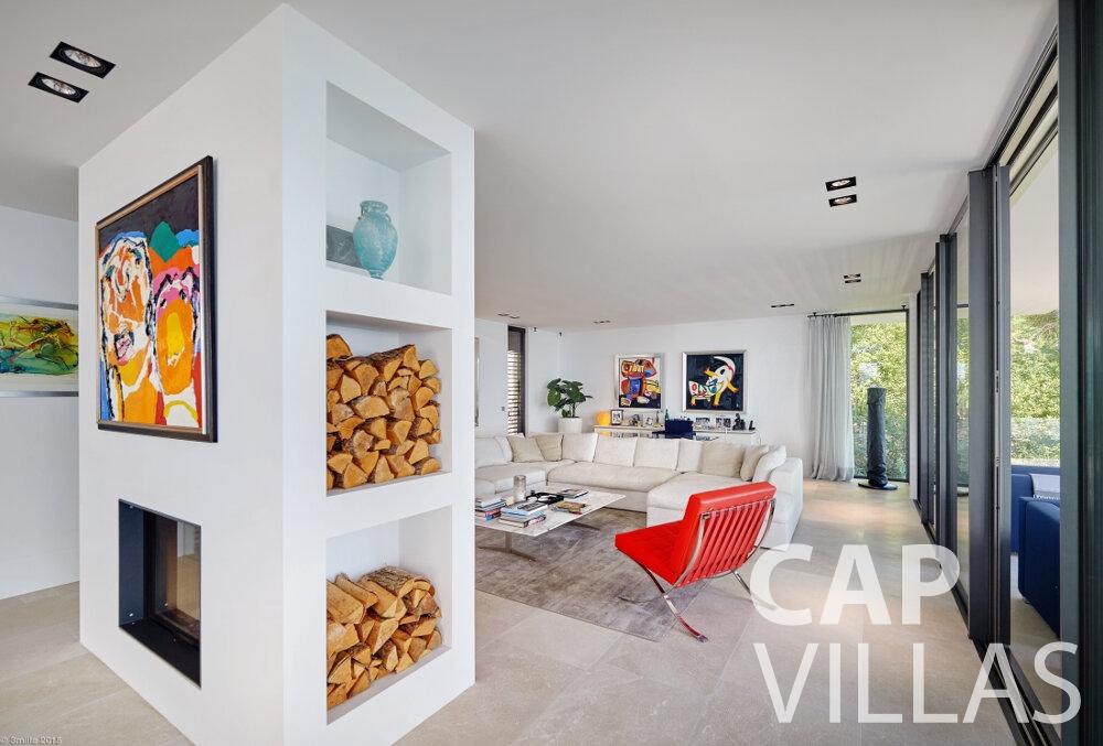 rent Villa Oleander villefranche living room