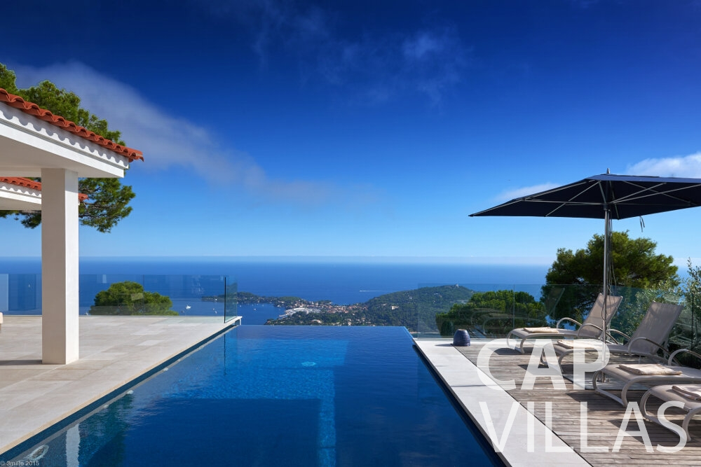 rent Villa Oleander villefranche pool sea view