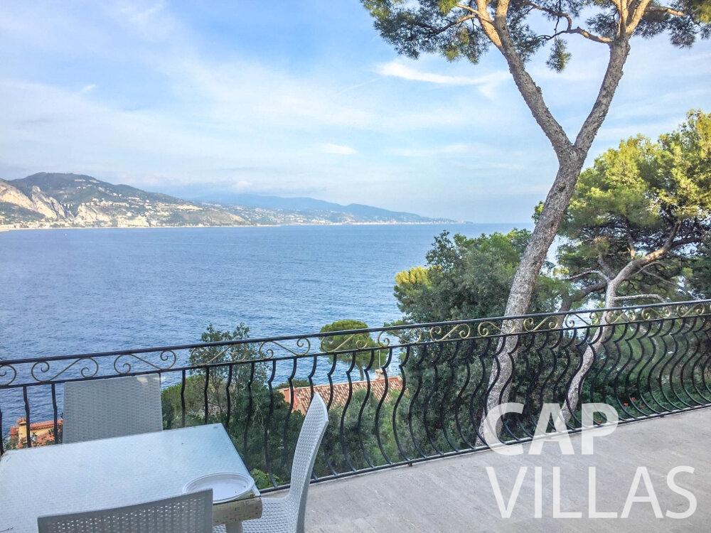 let Villa Olive cap martin roquebrune terrrace