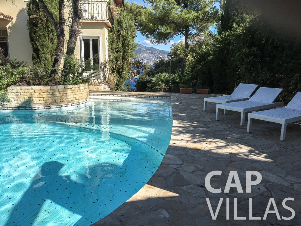 rent Villa Olive cap martin roquebrune terrace swimming pool