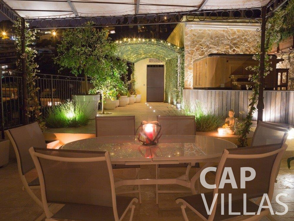 let Villa Hazel cap martin roquebrune terrace dining area