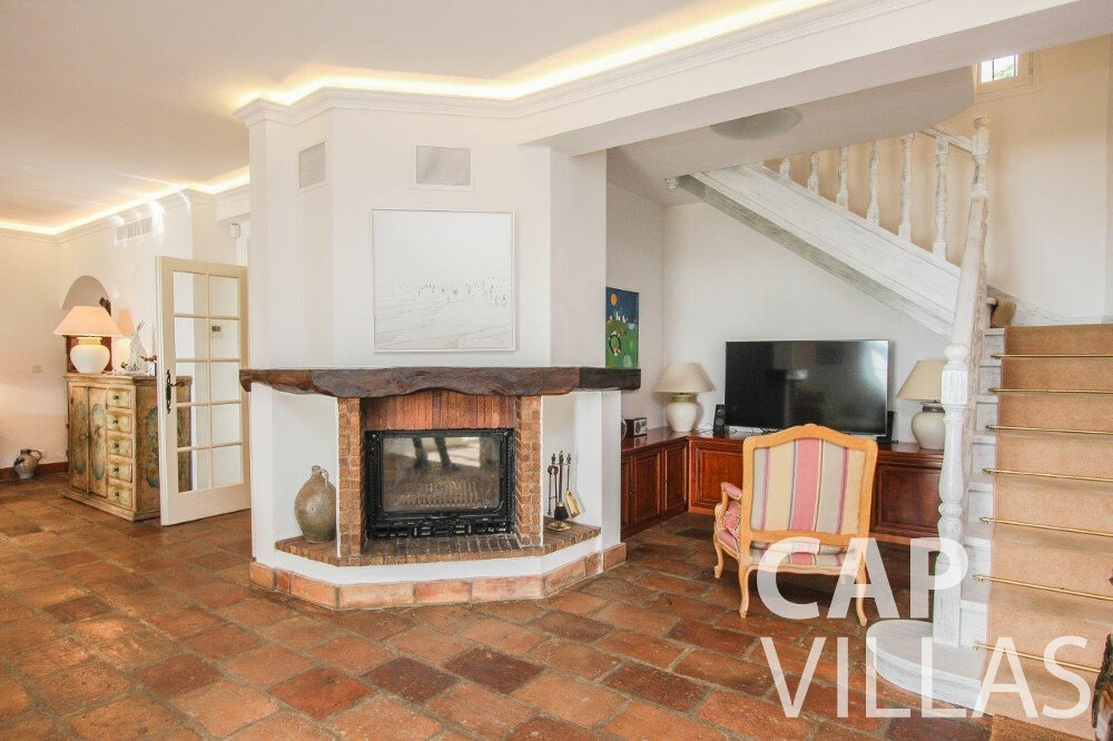 rent Villa Protea villefranche living area fireplace