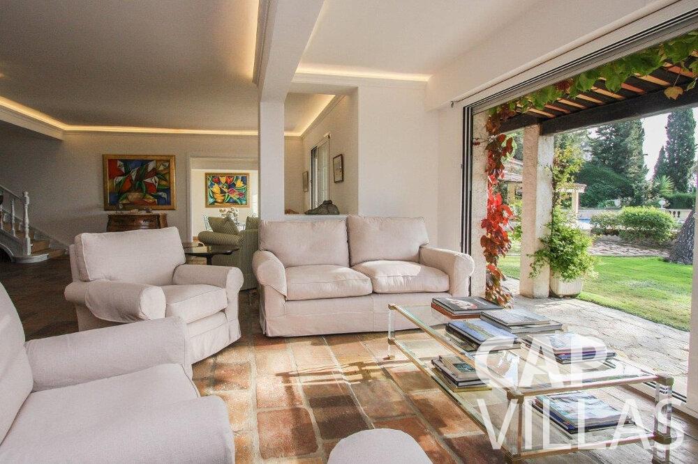 rent Villa Protea villefranche living area