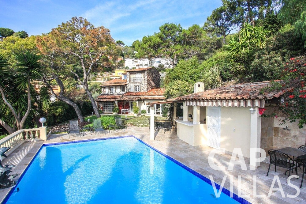 rent Villa Protea villefranche swimming pool