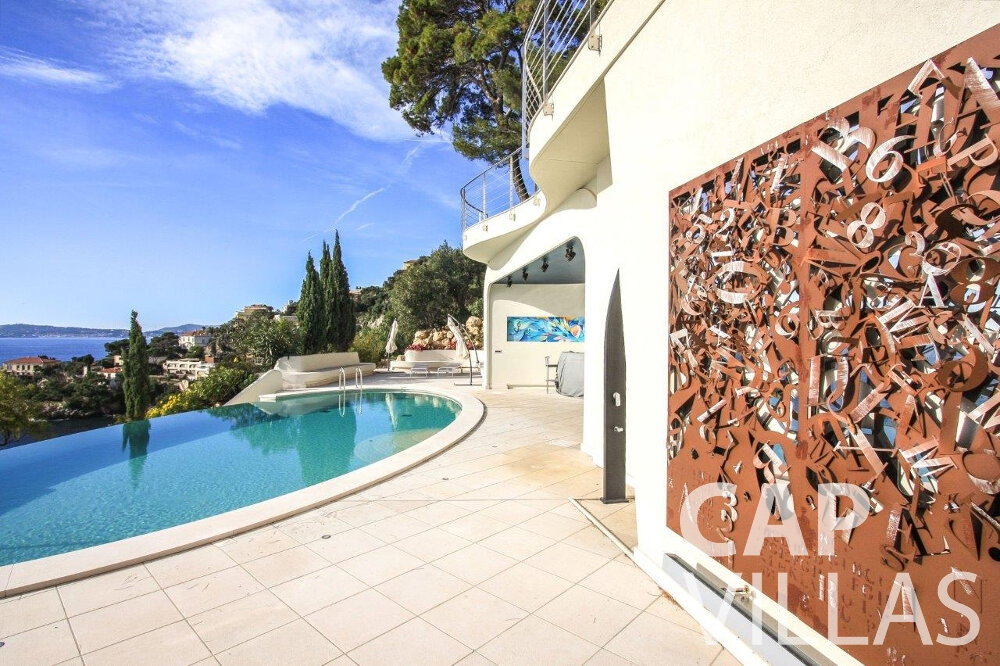 holiday house for sale cap dail mural swimming pool