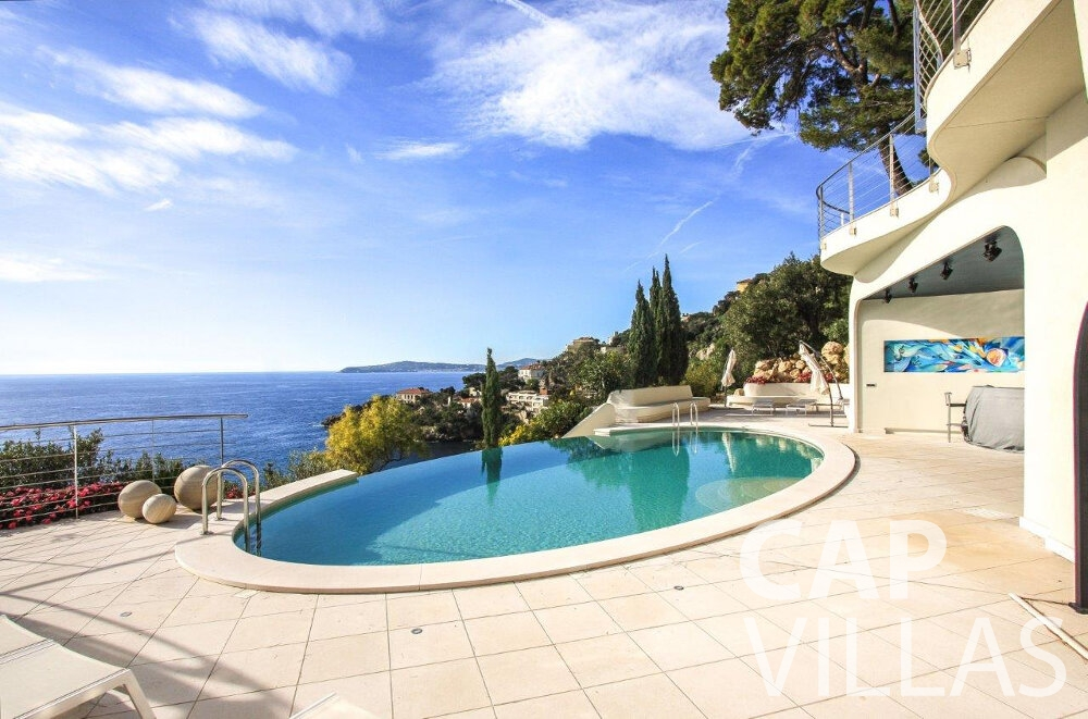 holiday house for sale cap dail swimming pool