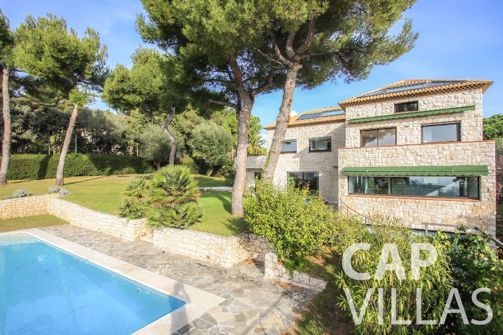 Holiday House for sale Villa Cedar villa cap martin roquebrune property