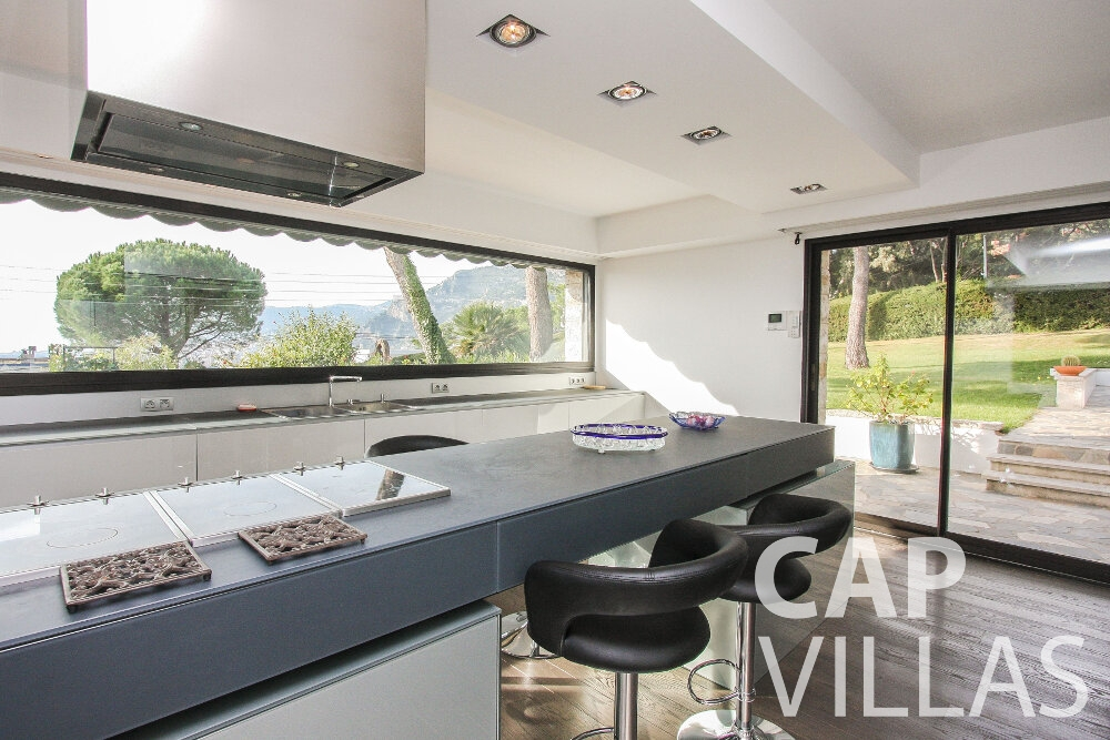 rent Villa Cedar cap martin roquebrune kitchen