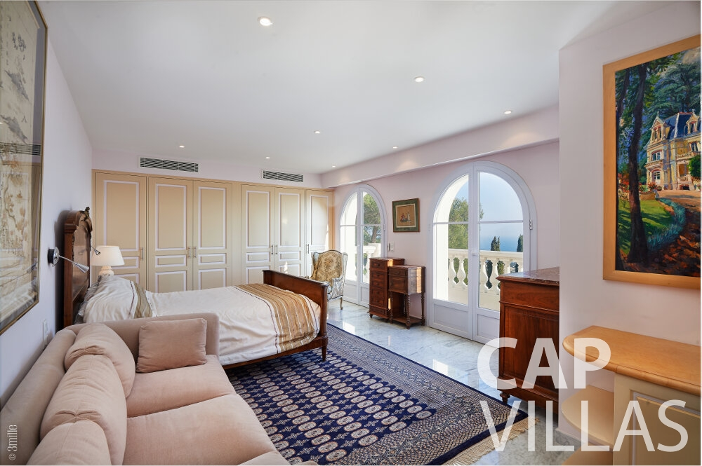 holiday house for sale villefranche bedroom