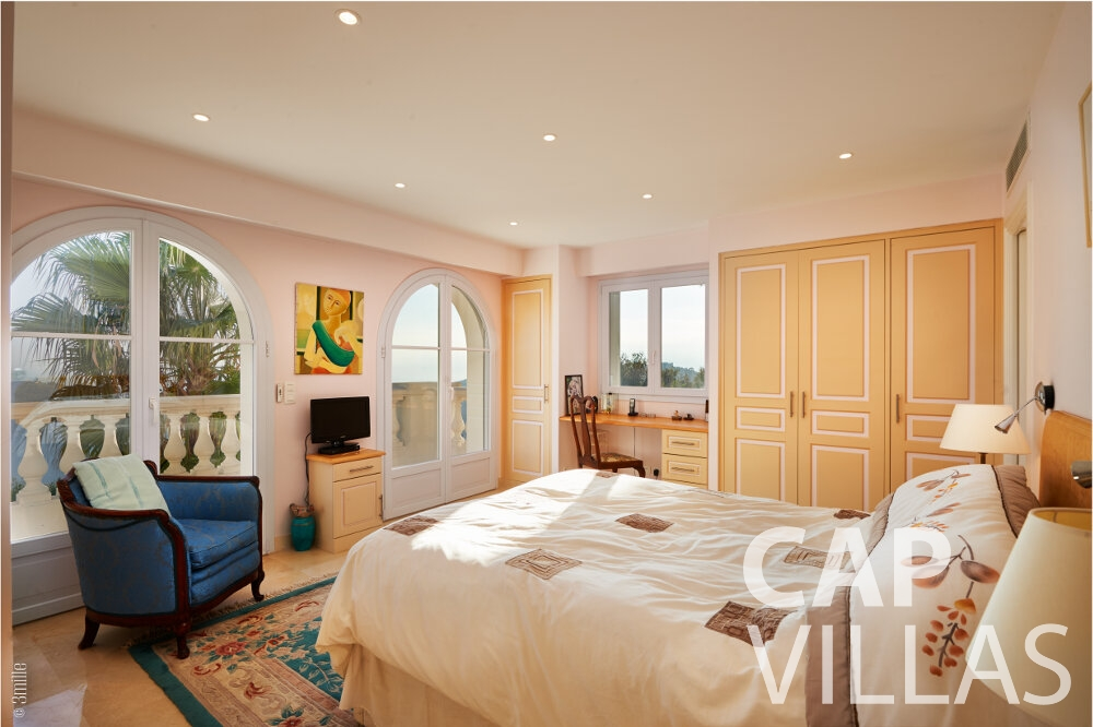 villa for sale villefranche bedroom