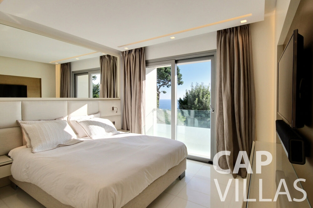 let Villa Calla eze bedroom