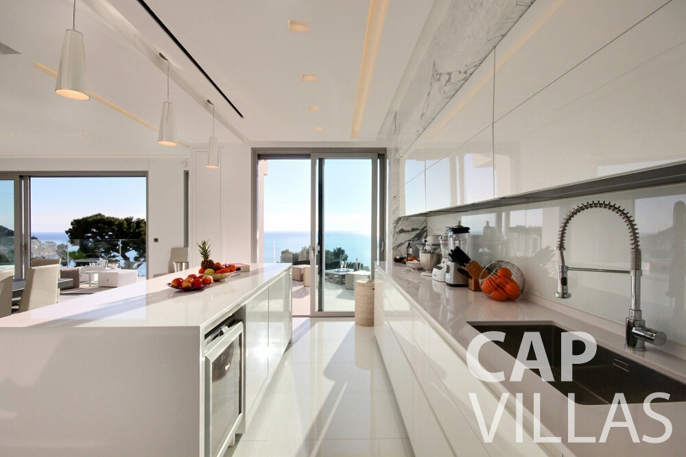 let Villa Calla eze kitchen