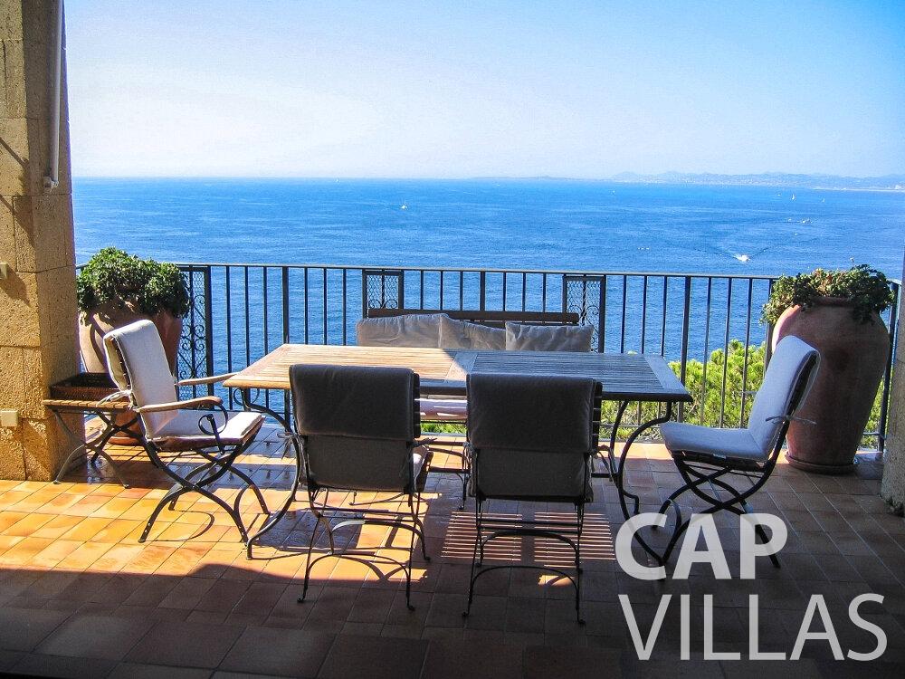 let Villa Verbena cap ferrat terrace
