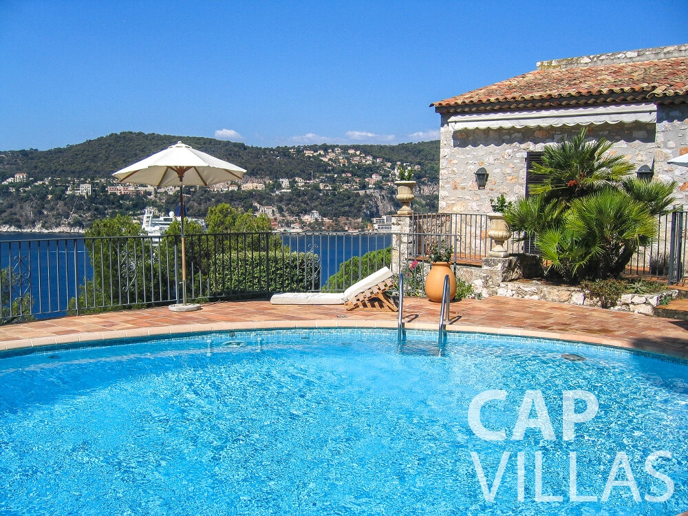 rent Villa Verbena cap ferrat swimming pool