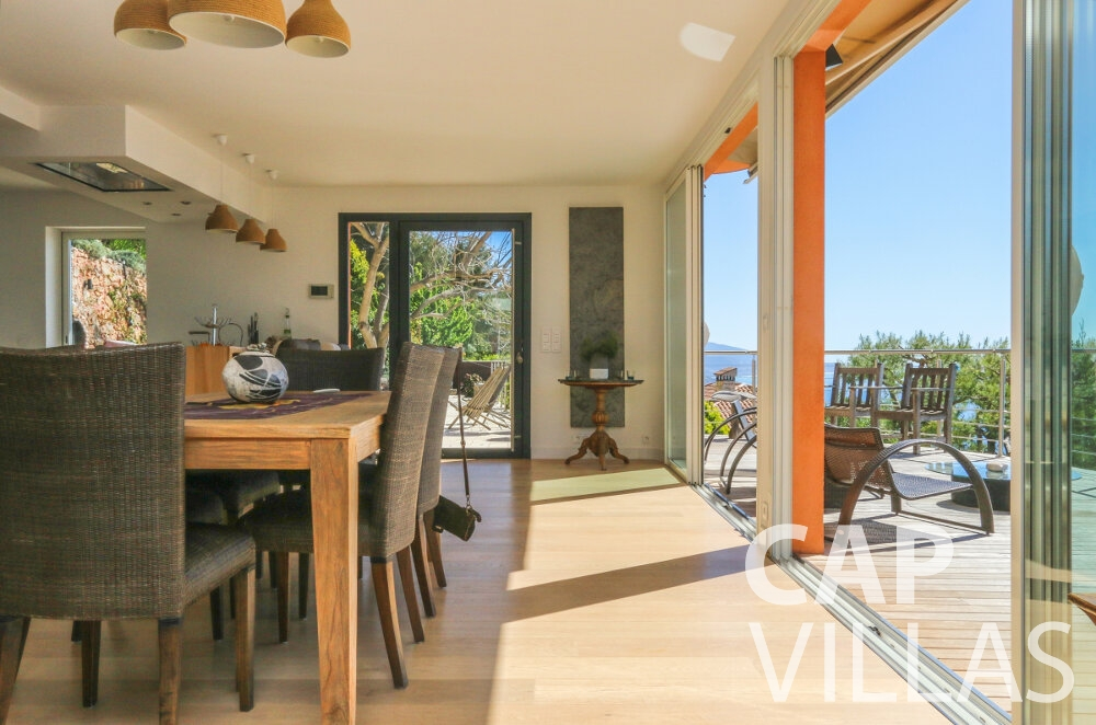 property for sale cap martin living room