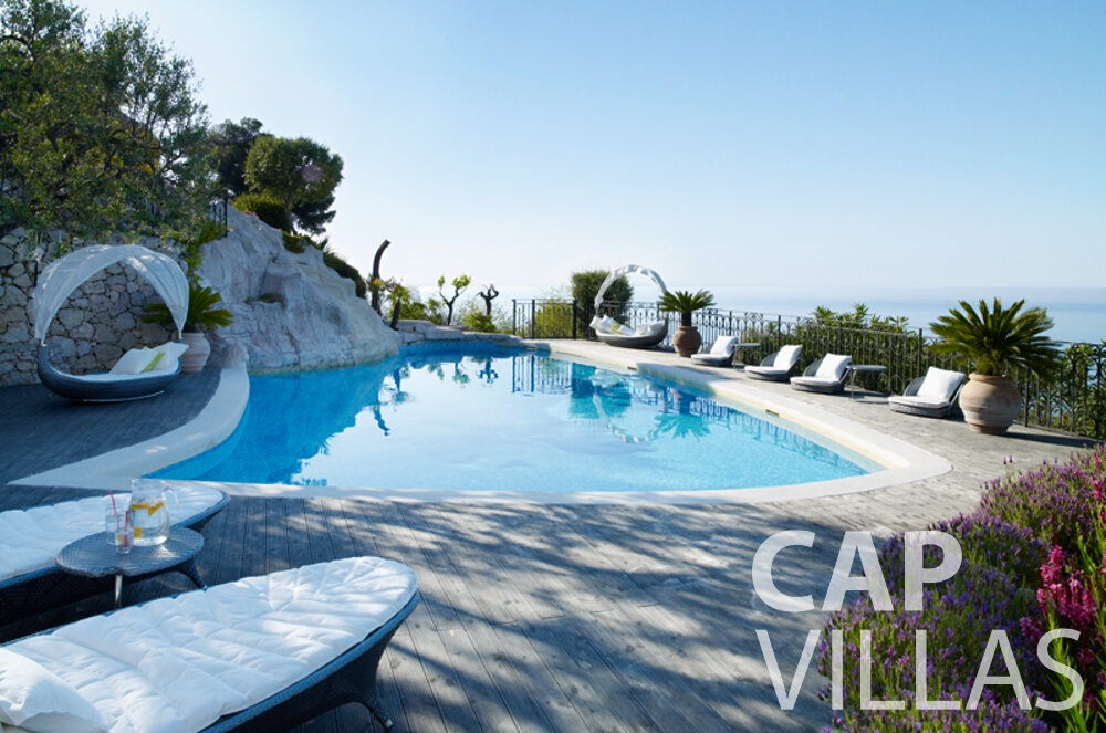 rent Villa Willow cap dail swimming pool