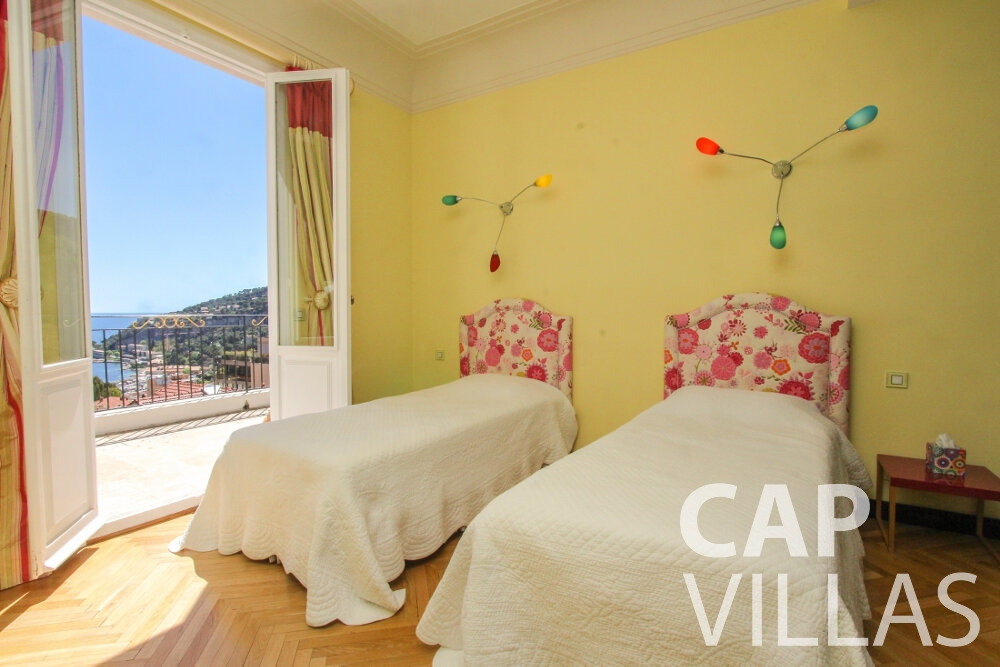 holiday rental Villa Sunflower villefranche bedroom