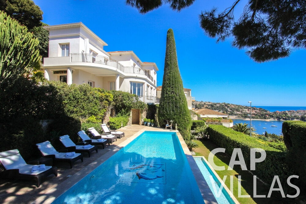 Holiday House for sale Villa Sunflower villa villefranche swimming pool