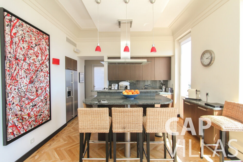 rent Villa Sunflower villefranche kitchen