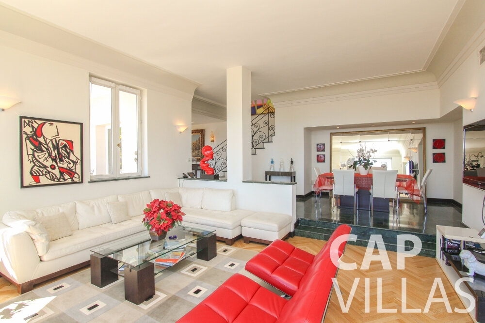 rent Villa Sunflower villefranche living area
