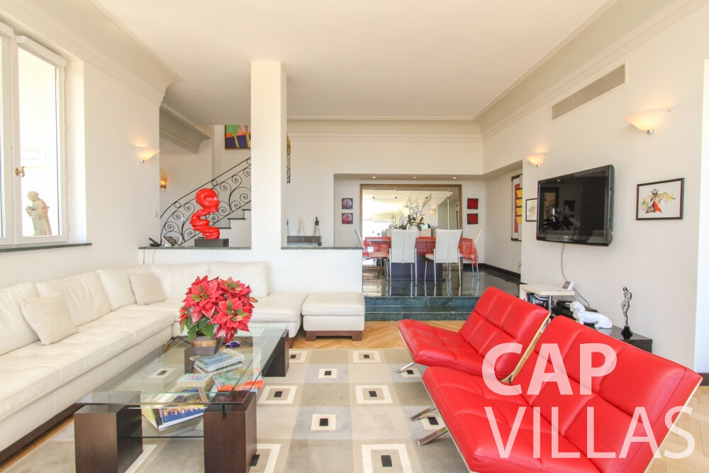 rent Villa Sunflower villefranche living room
