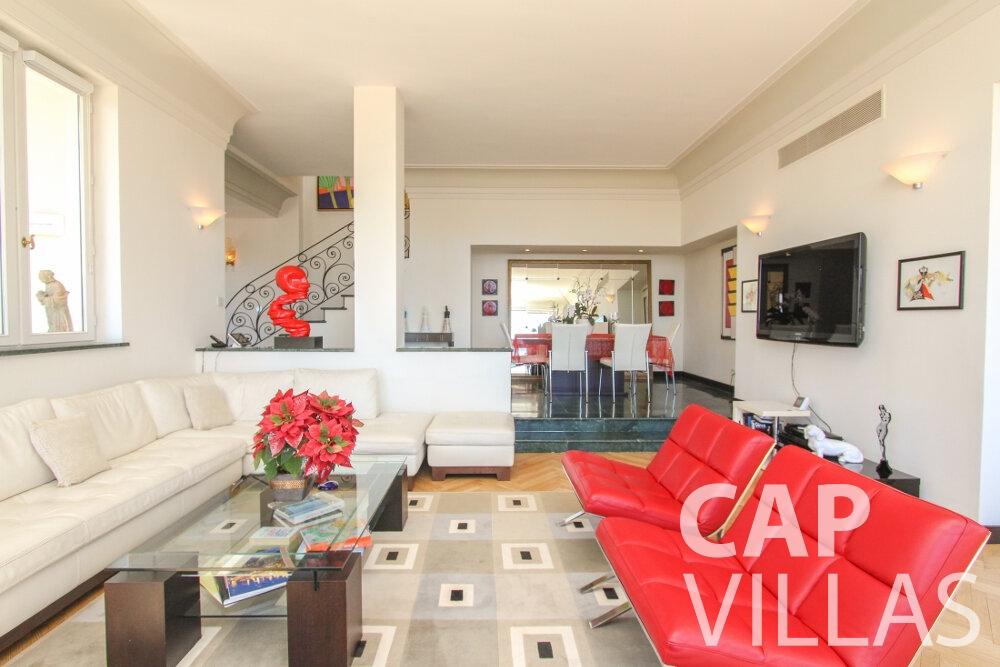 rent Villa Sunflower villefranche living room