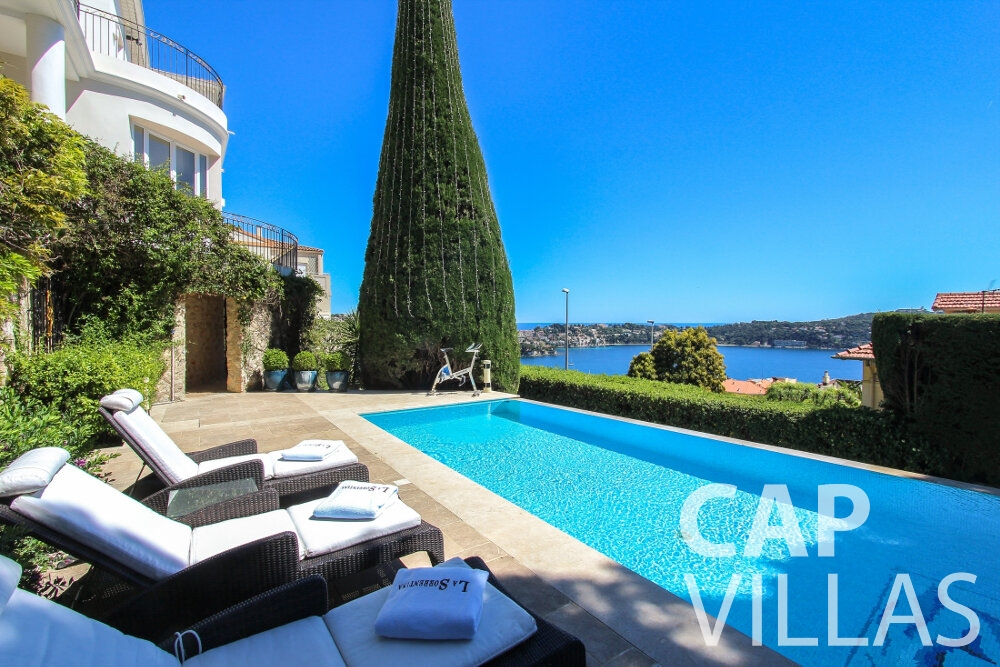 rent Villa Sunflower villefranche swimming pool