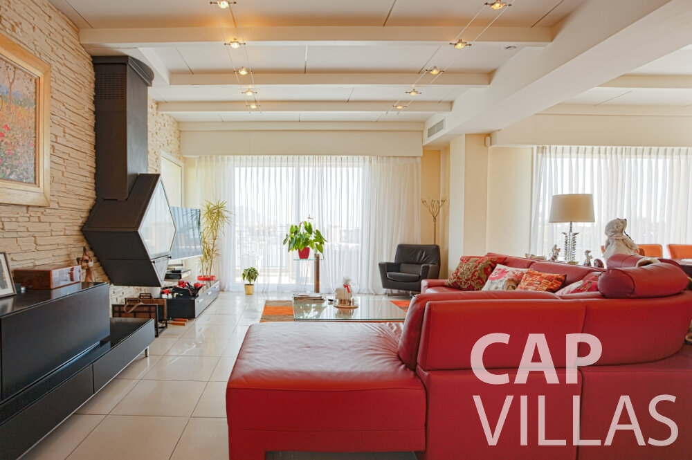 holiday house for sale villefranche living area