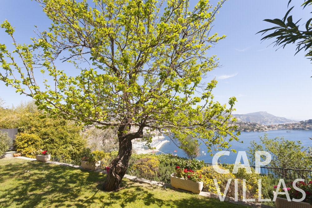 holiday house for sale villefranche sea view