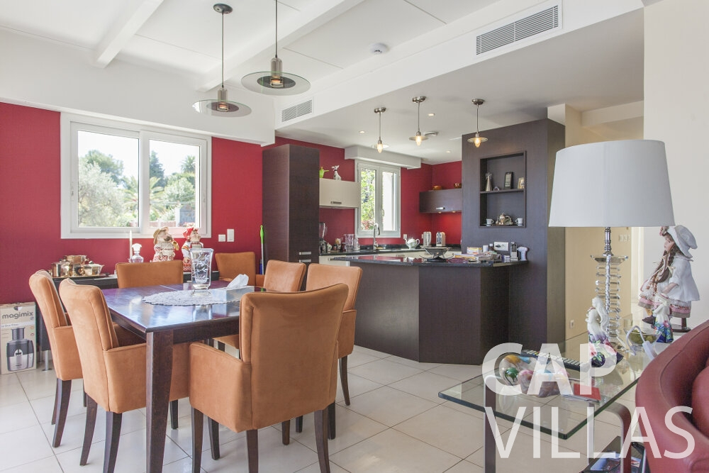 property for sale villefranche dining area