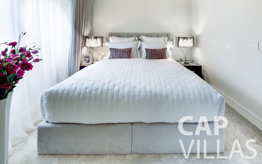 rent Villa Anemone cap dail bedroom