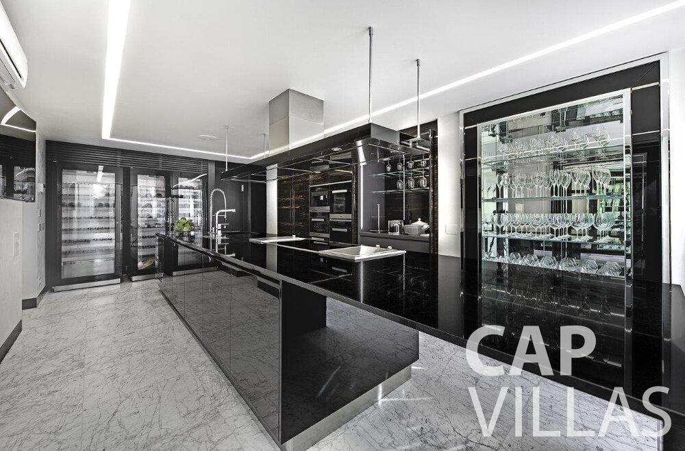 rent Villa Anemone cap dail kitchen