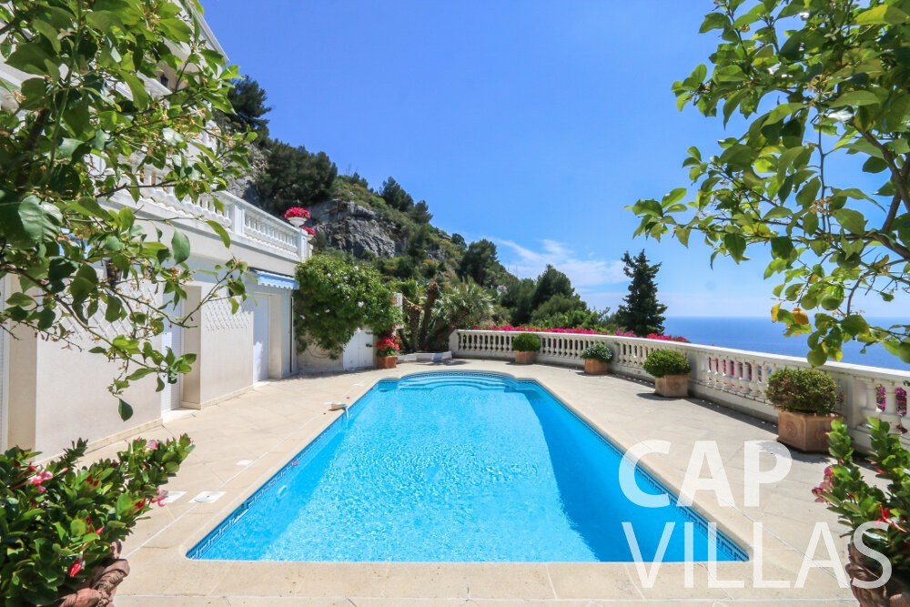 property for sale cap dail swimming pool