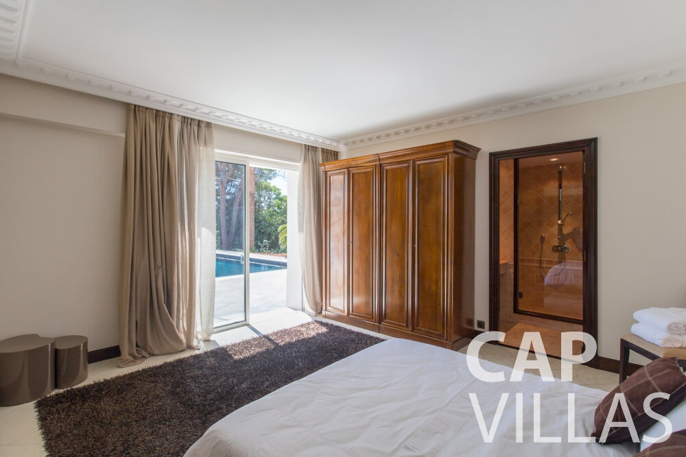 holiday house for sale cap ferrat bedroom