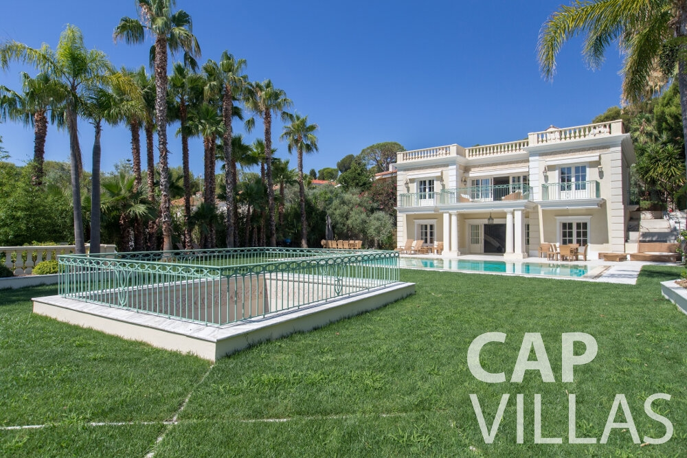 property for sale cap ferrat backyard