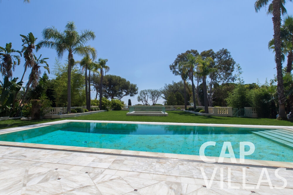 property for sale cap ferrat swimming pool