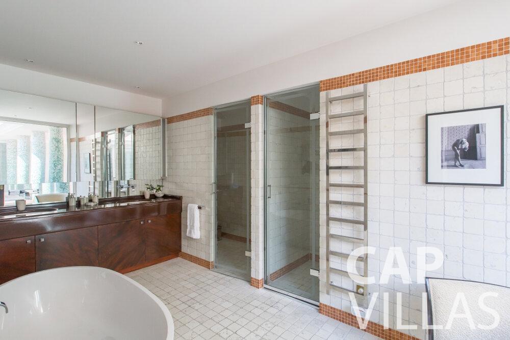villa for sale cap ferrat batoom
